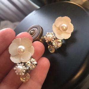 Jewelry - Earrings..floral pearl and rhinestone fashion